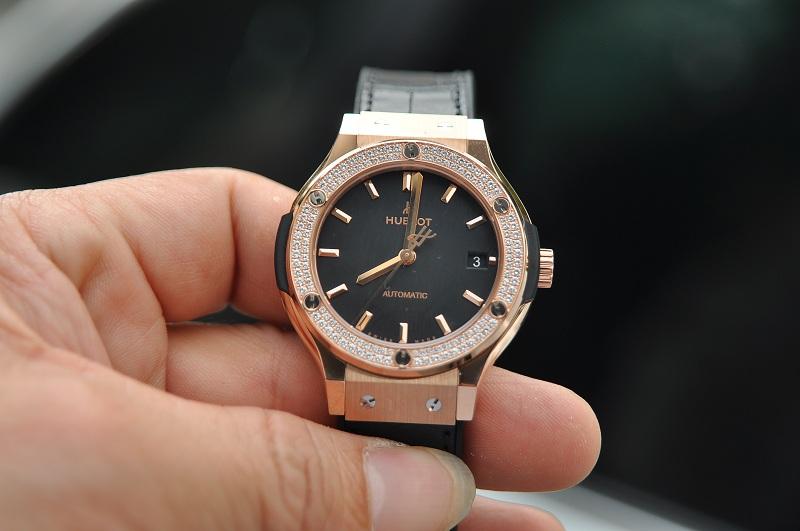 Những lưu ý quan trọng khi mua đồng hồ Hublot cũ bạn đừng bỏ lỡ!