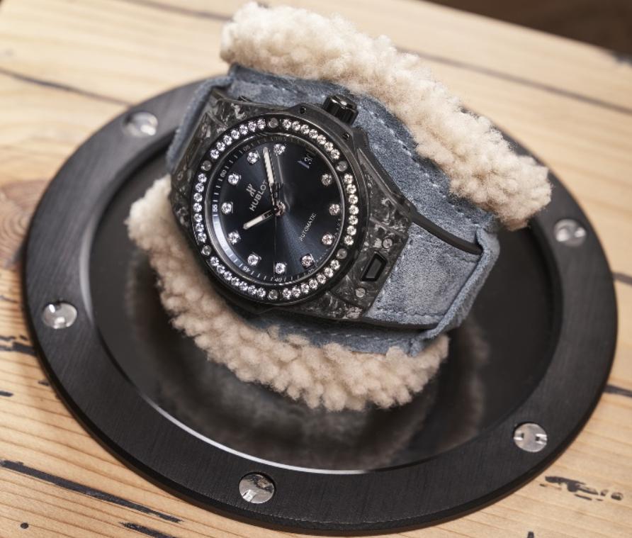 Cách đeo đồng hồ Hublot và phối hợp cùng các trang phục chuẩn nhất-1