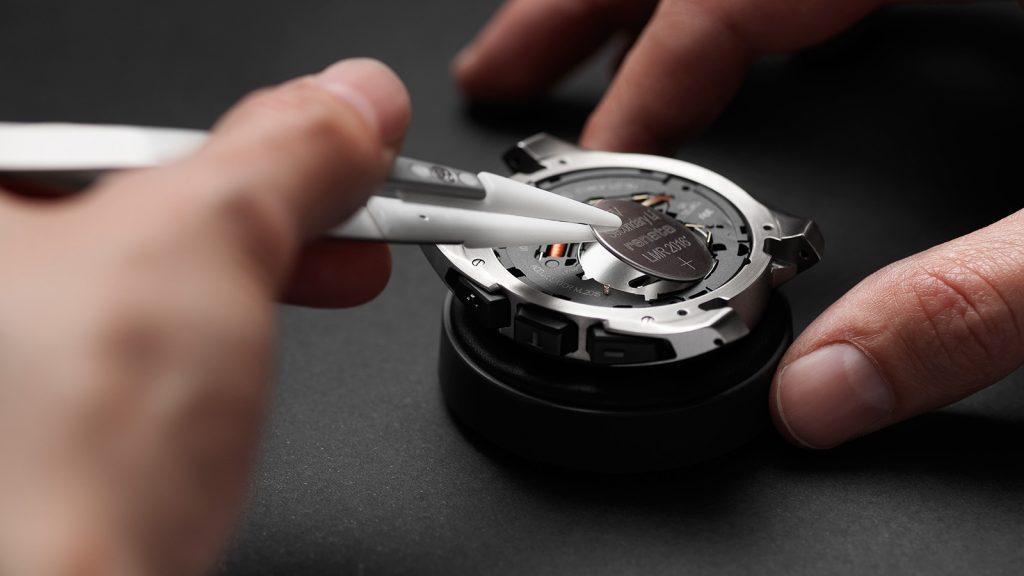 Hướng dẫn cách thay pin đồng hồ hublot đúng cách