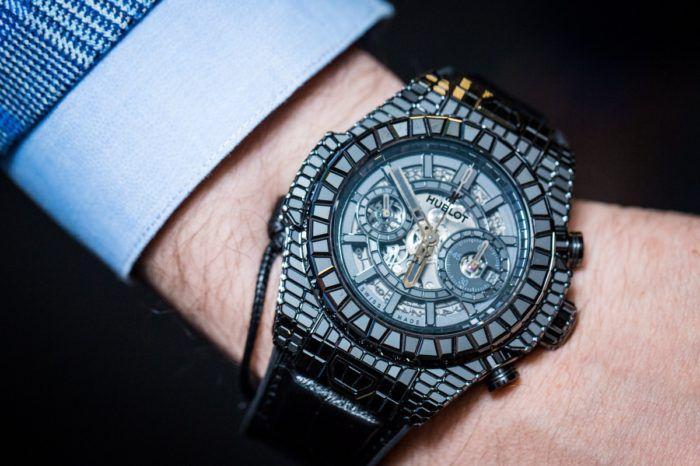 Cách xem giờ đồng hồ hublot thể thao xa xỉ nhất thế giới