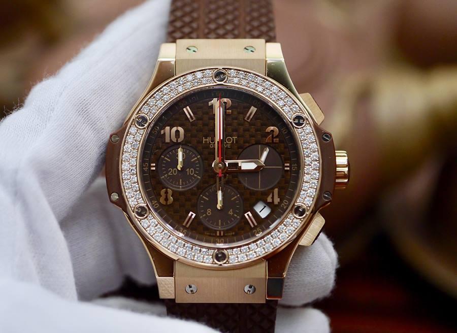 Đồng hồ Hublot màu nâu có nhiều kiểu không?