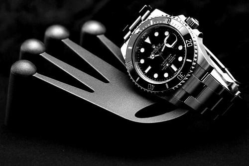 Đồng hồ Rolex đen Submariner Oyster Perpetual