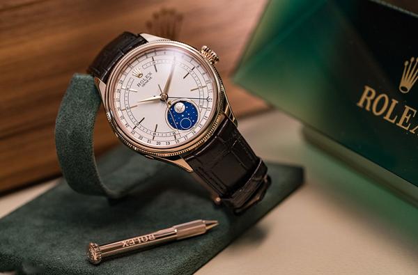 Đồng hồ Rolex dây da giá bao nhiêu?