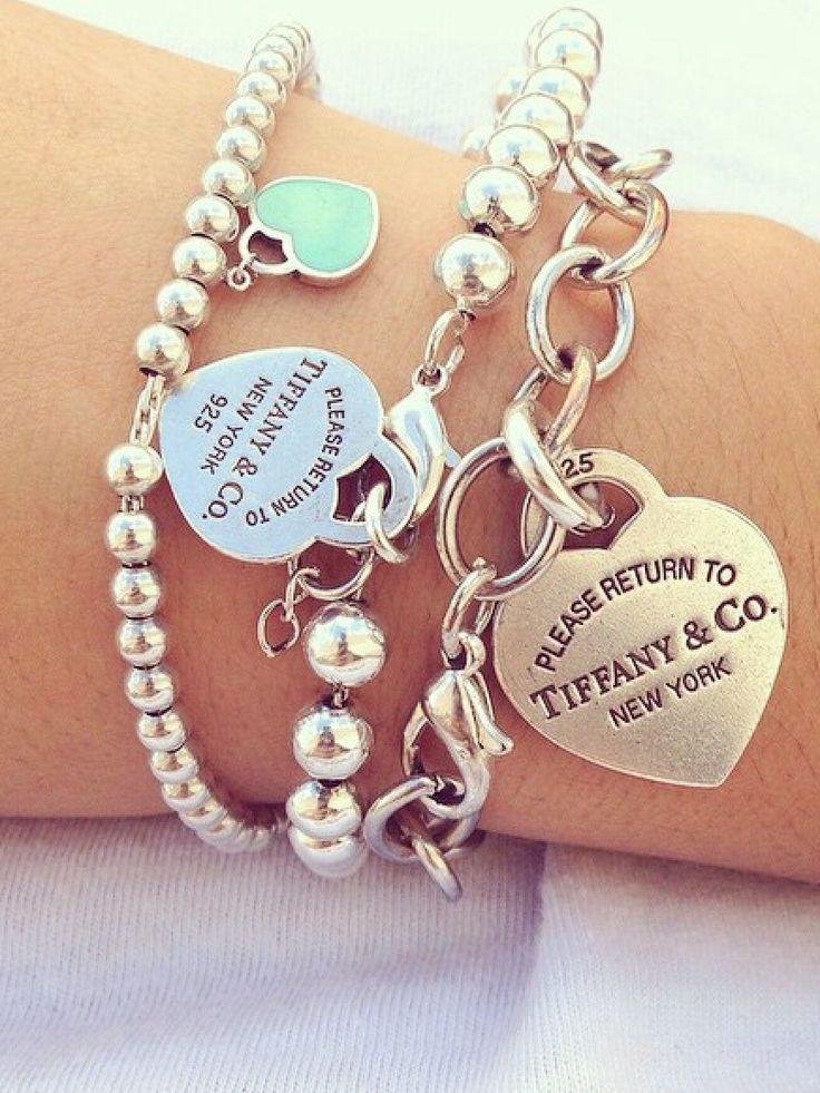 Bật mí giúp bạn cách phân biệt vòng tay Tiffany & Co chính hãng1