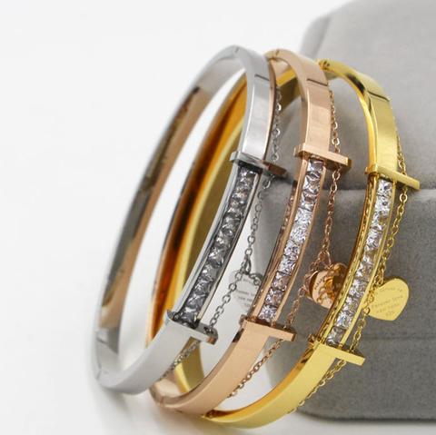 Bật mí giúp bạn cách phân biệt vòng tay Tiffany & Co chính hãng