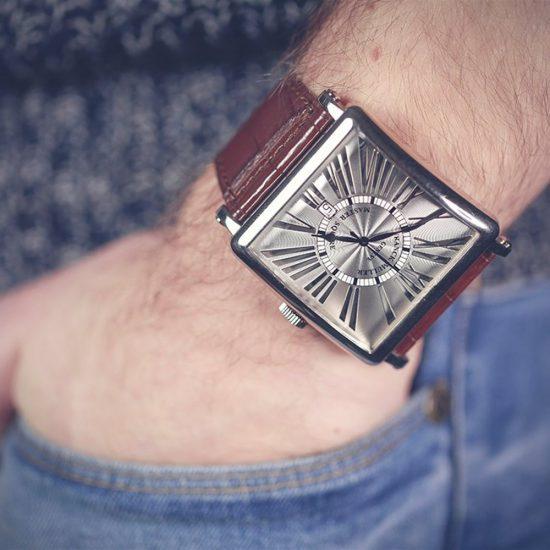 Bí kíp giúp phân biệt đồng hồ franck muller master square chính hãng