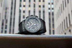 Đồng hồ bê tông Hublot Classic Fusion Aerofusion Concrete Jungle – tôn vinh nghệ thuật đường phố