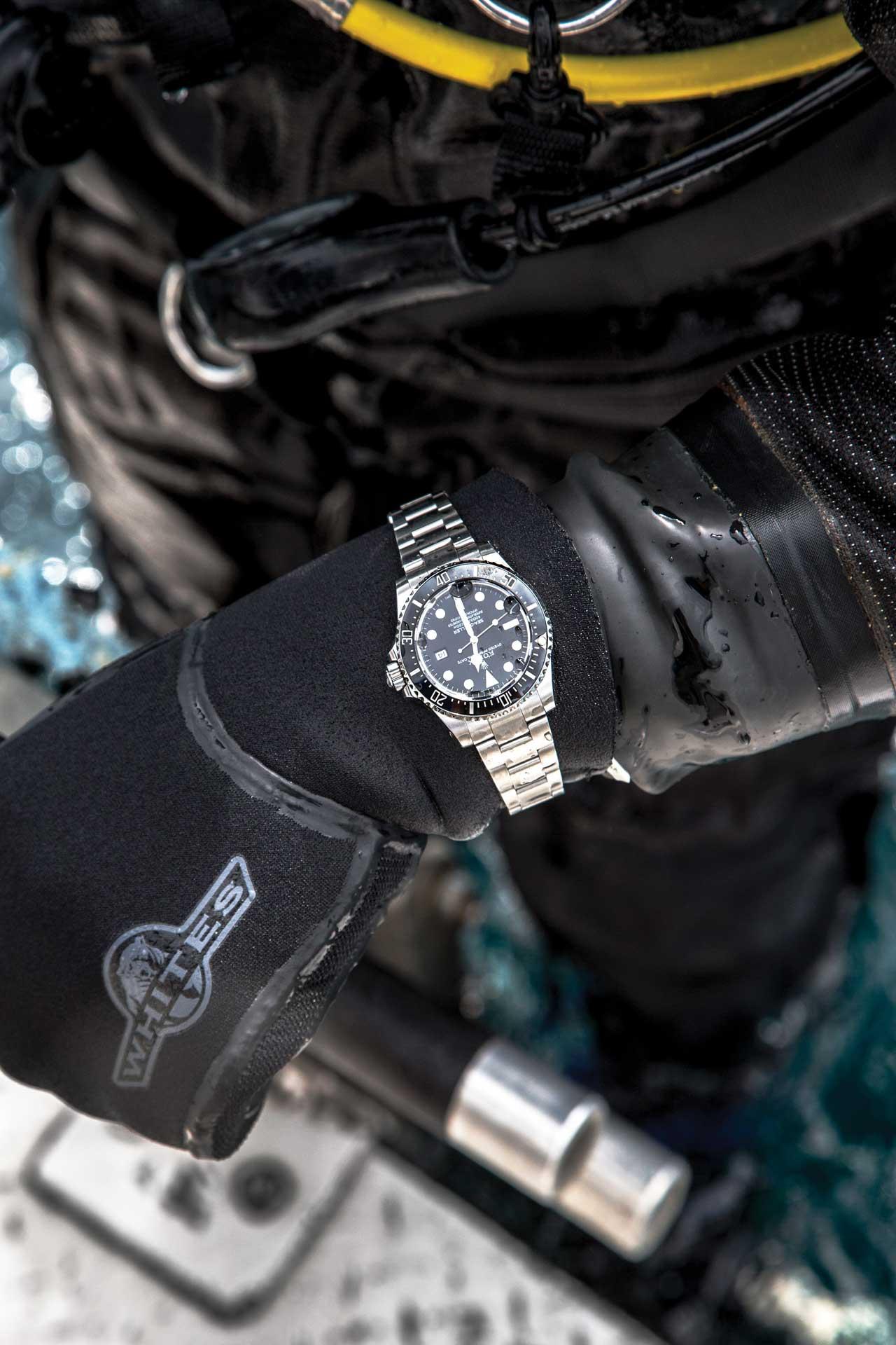 Tìm hiểu tất tần tật thông tin về đồng hồ Rolex Sea-Dweller 4000