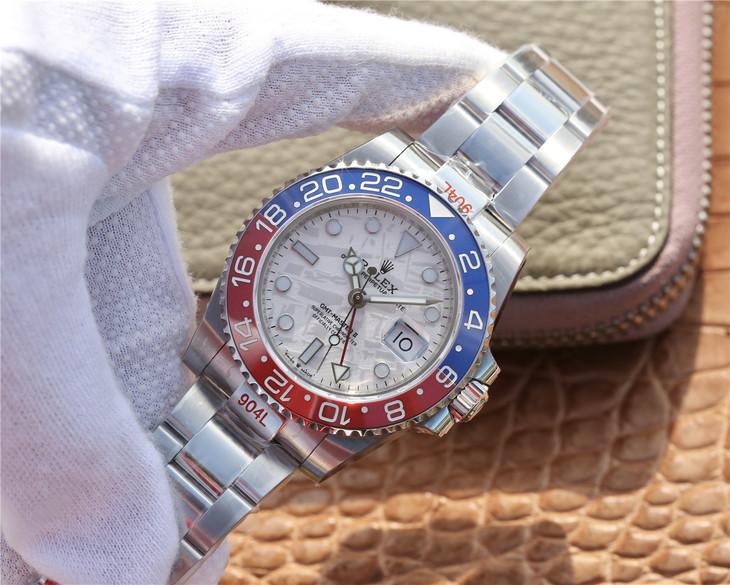 Đồng hồ Rolex GMT – Master II Pepsi bằng vàng trắng có mặt số Meteorite