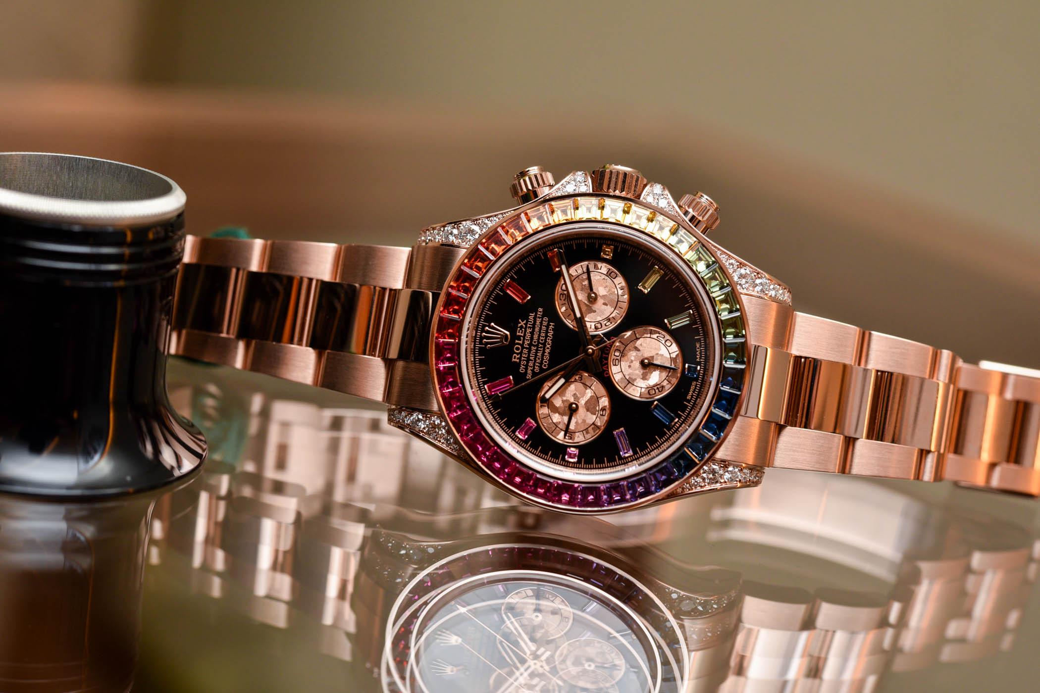 """Ngỡ ngàng trước vẻ đẹp của chiếc đồng hồ Rolex 7 màu """"Rainbow Daytona"""""""