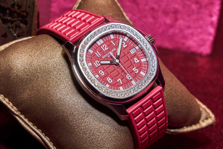 Giới thiệu 3 phiên bản đồng hồ Patek Philippe đỏ vô cùng đặc biệt